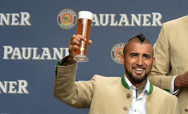 Vidal teria chegado bêbado na concentração chilena e por isso foi cortado (Foto: Christof Stache/AFP)