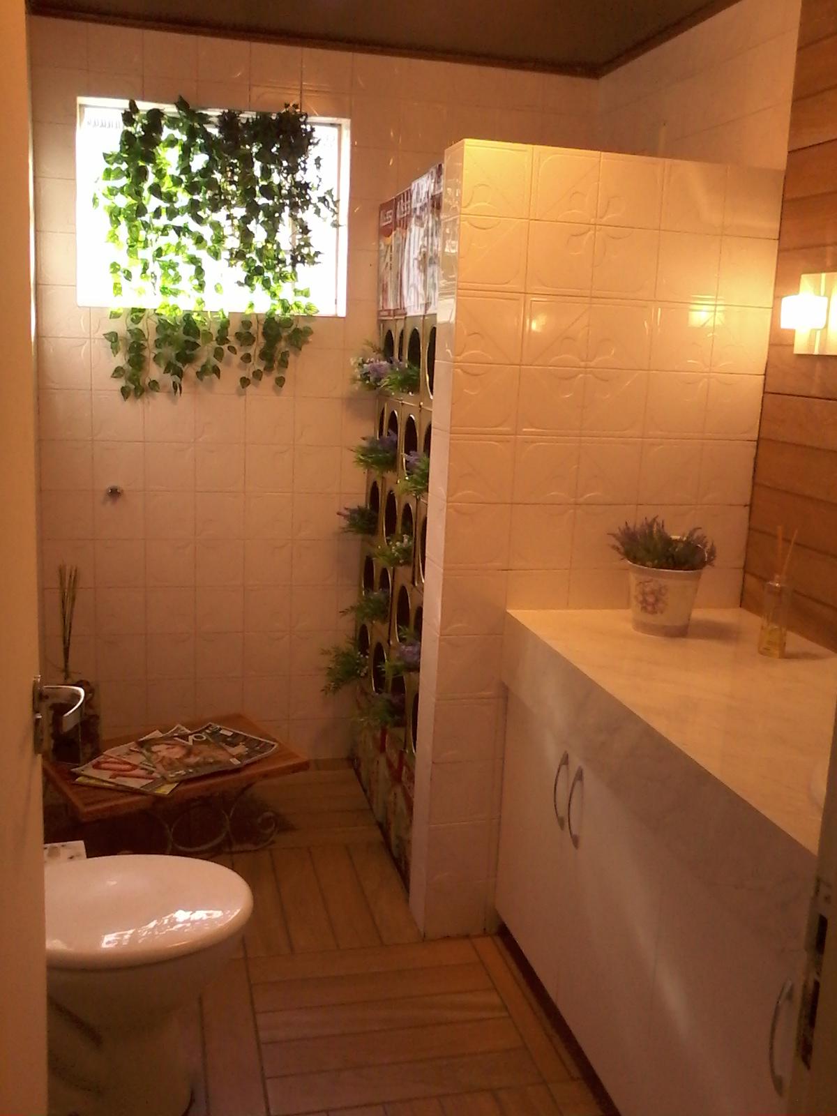 Imagens de #AF7E1C banheiro antigo box e agora banheiro dos clientes da loja 1200x1600 px 3100 Box Banheiro Antigo