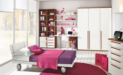 дизайн комнаты для девочки подростка с наклейкой на стену фото