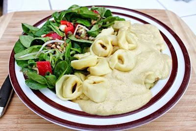 Wilmersburger Tortellini in veganer Käsesauce