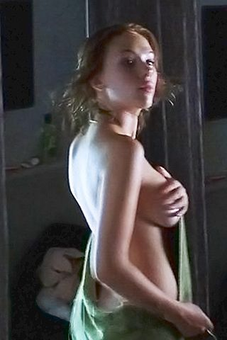 sisters nude at home pics