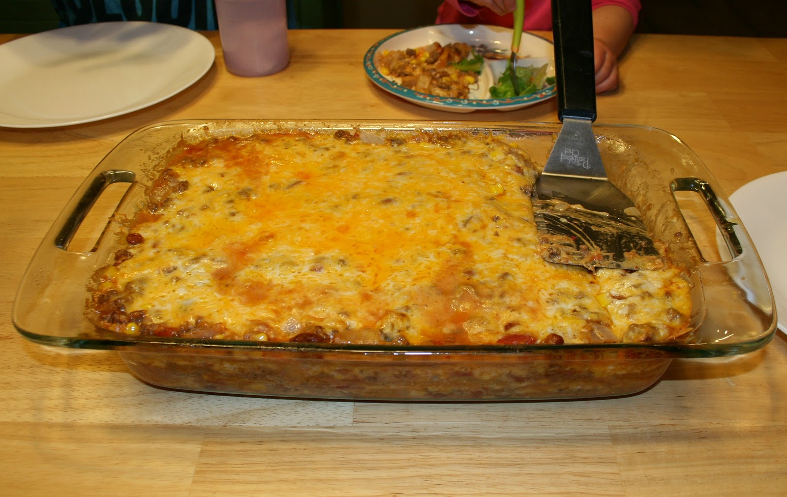 Mom I'm Hungry: {cheesy mexican casserole}