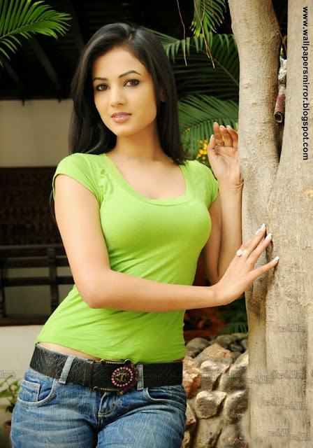 sonal chauhan latest hot photo stills