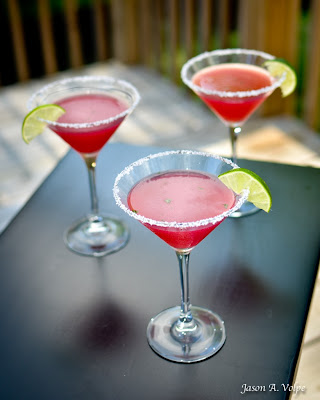 Confessions of a Cookaholic: Pomegranate & Mint Margaritas!