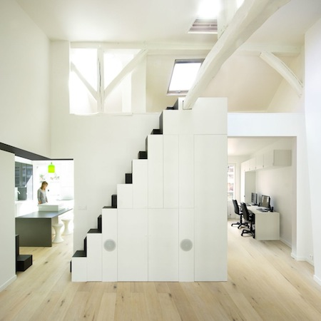 Le top 10 des escaliers droits design le blog de loftboutik for Meuble escalier