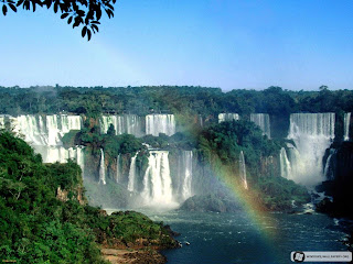 (Argentina & Brazil) - Iguazú Falls - Walking on the footbridge and Wild Adventure