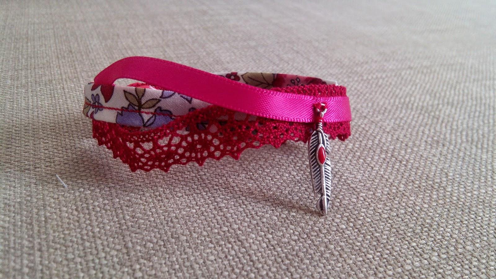 Couture Bracelet en atelier rose