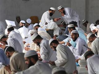 "Haram Panggil Amerika Sebagai ""Superpower"" - Fatwa Ulama Pakistan"
