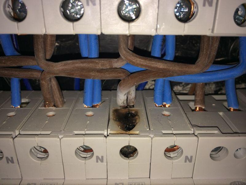 Como ahorrar en la factura de la luz mantenimiento - Cuadro electrico vivienda ...