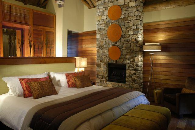 decoracion de interiores chimeneas rusticas:de baldosin nos complementa perfectamente para darle el toque