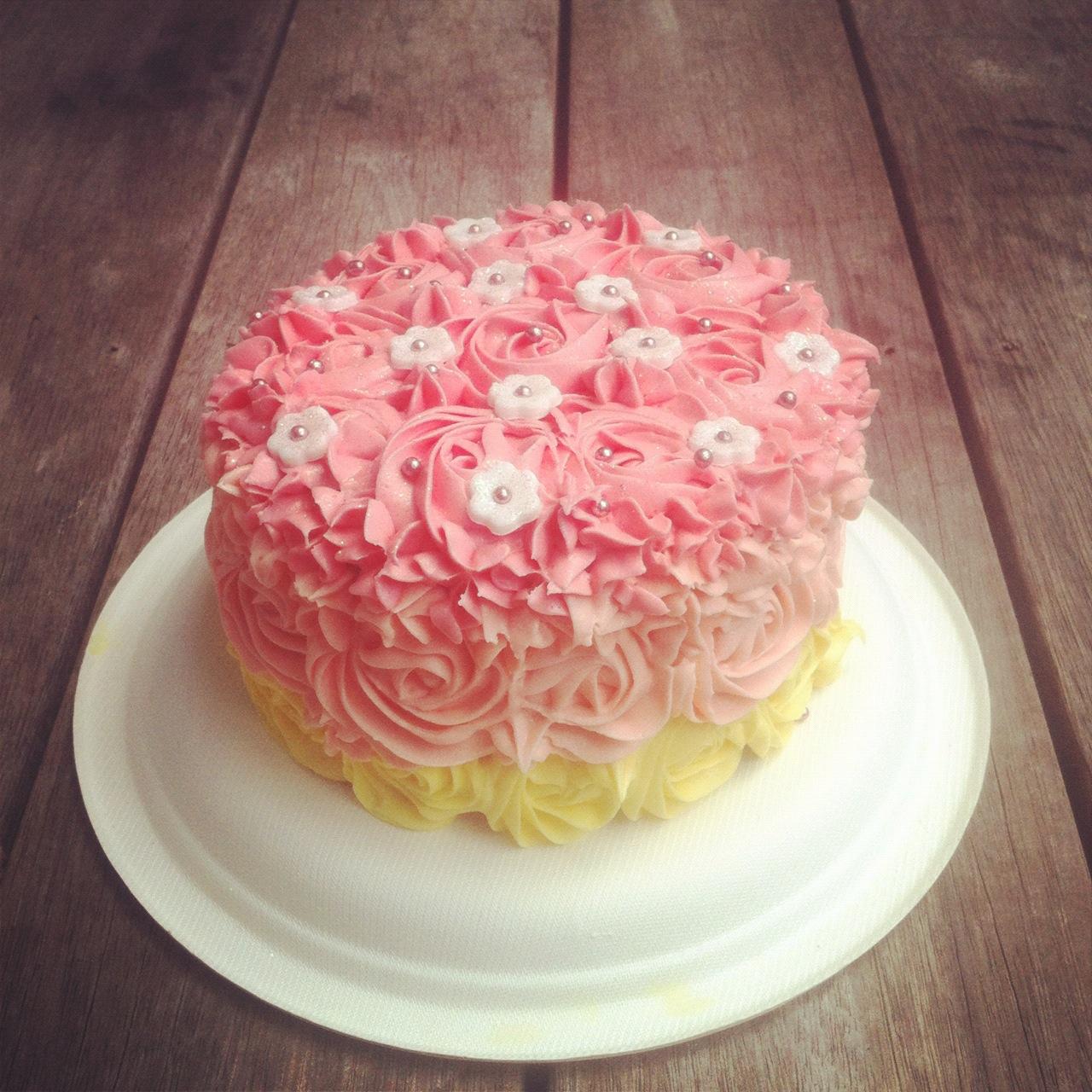 Melie Moo Rosette Cake