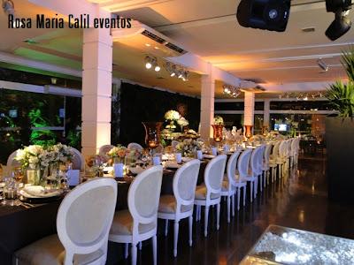 mesa preta, bodas, Thiago Calil, decoração. vela âmbar, arranjos flores brancas