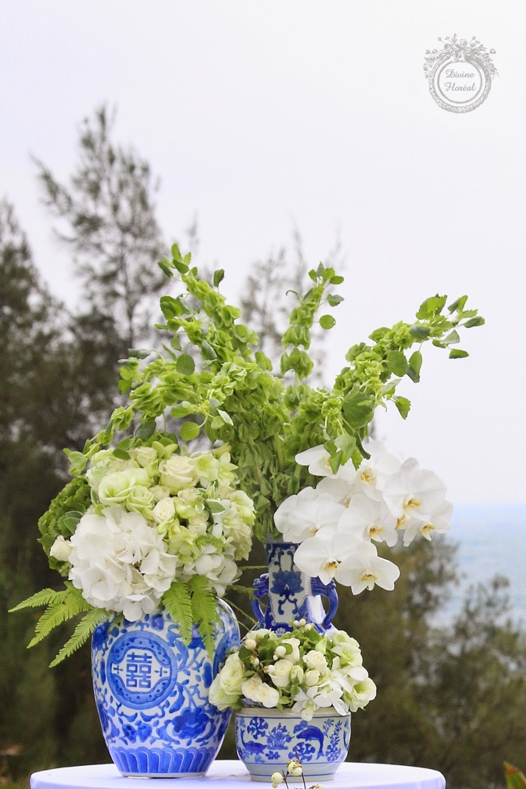 Divine floréal: chic white and blue chinoiserie wedding at shek o ...
