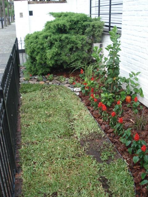 Reverdir jardineria y paisajismo flejes de zinc para for Canteros de jardin