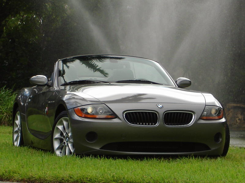 bmw z4 review pictures wallpaper bmw car pictures and review. Black Bedroom Furniture Sets. Home Design Ideas