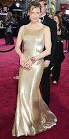Рене Зелуегър в златна рокля на наградите Оскар 2013