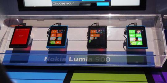 Lumia 900 dijual seharga USD 50 saja!