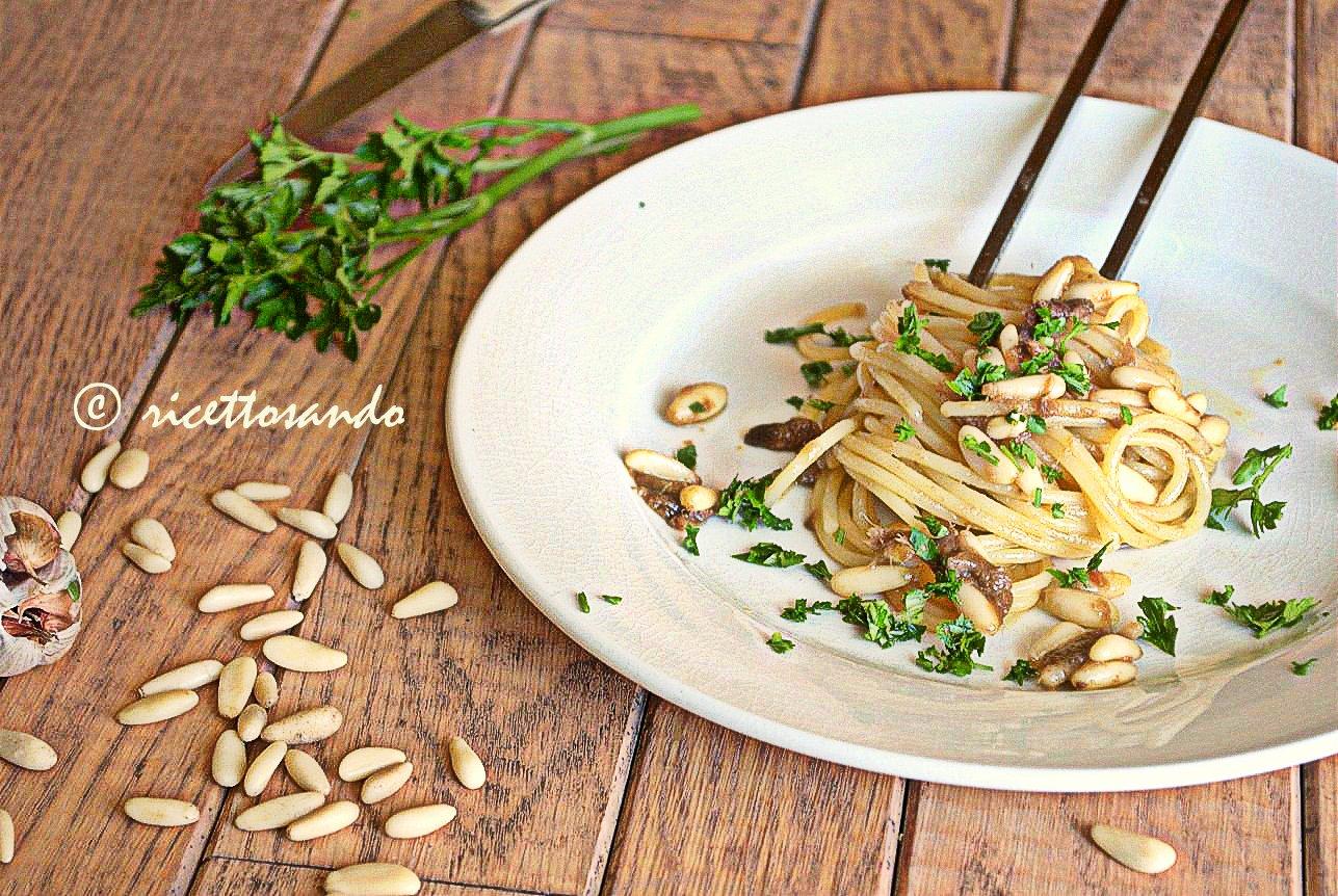Pasta acciughe e pinoli ricetta primi piatti di pasta veloci