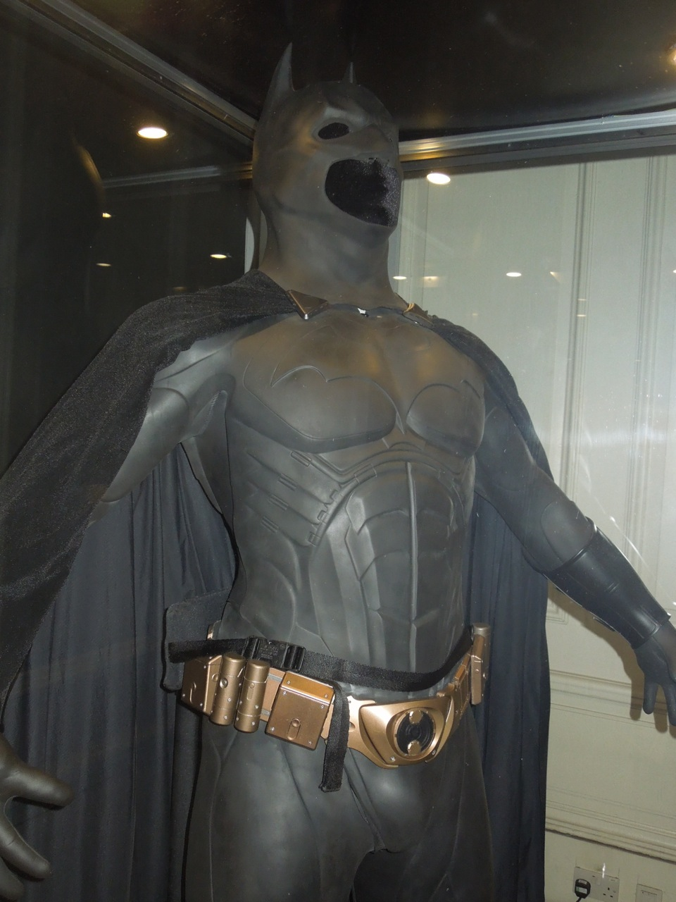 Hollywood Movie Costumes and Props: Batman Begins costume ...