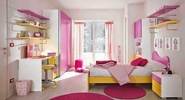 kamar tidur serba Hello Kitty