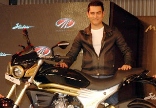 AAMIR KHAN WITH MAHINDRA MOJO 300