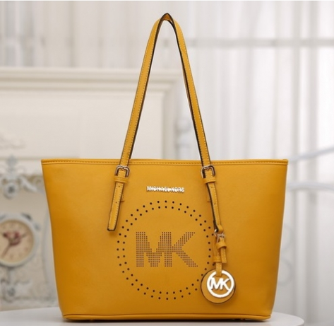 http://www.handbagwholesale.my/index.php?route=product/product&path=312_439&product_id=11595