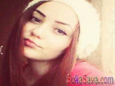 Gadis Cantik Ini Hangus Kesetrum Gara-Gara Ingin Foto Selfie