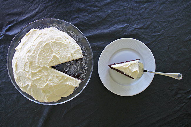 chocolate guinness cake with mascarpone frosting