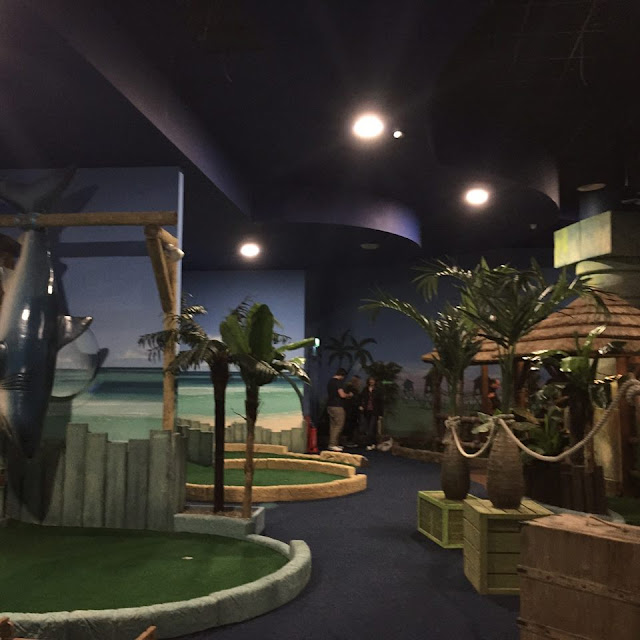 Paradise Island Golf Cheshire Oaks