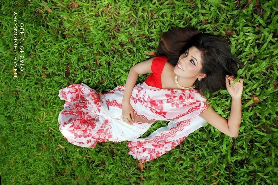 Nawshine+BD+Hot+Girl+Photos+In+Beautiful+Saree010