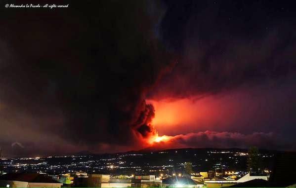 Volcán Etna en erupción 29 de Diciembre 2014