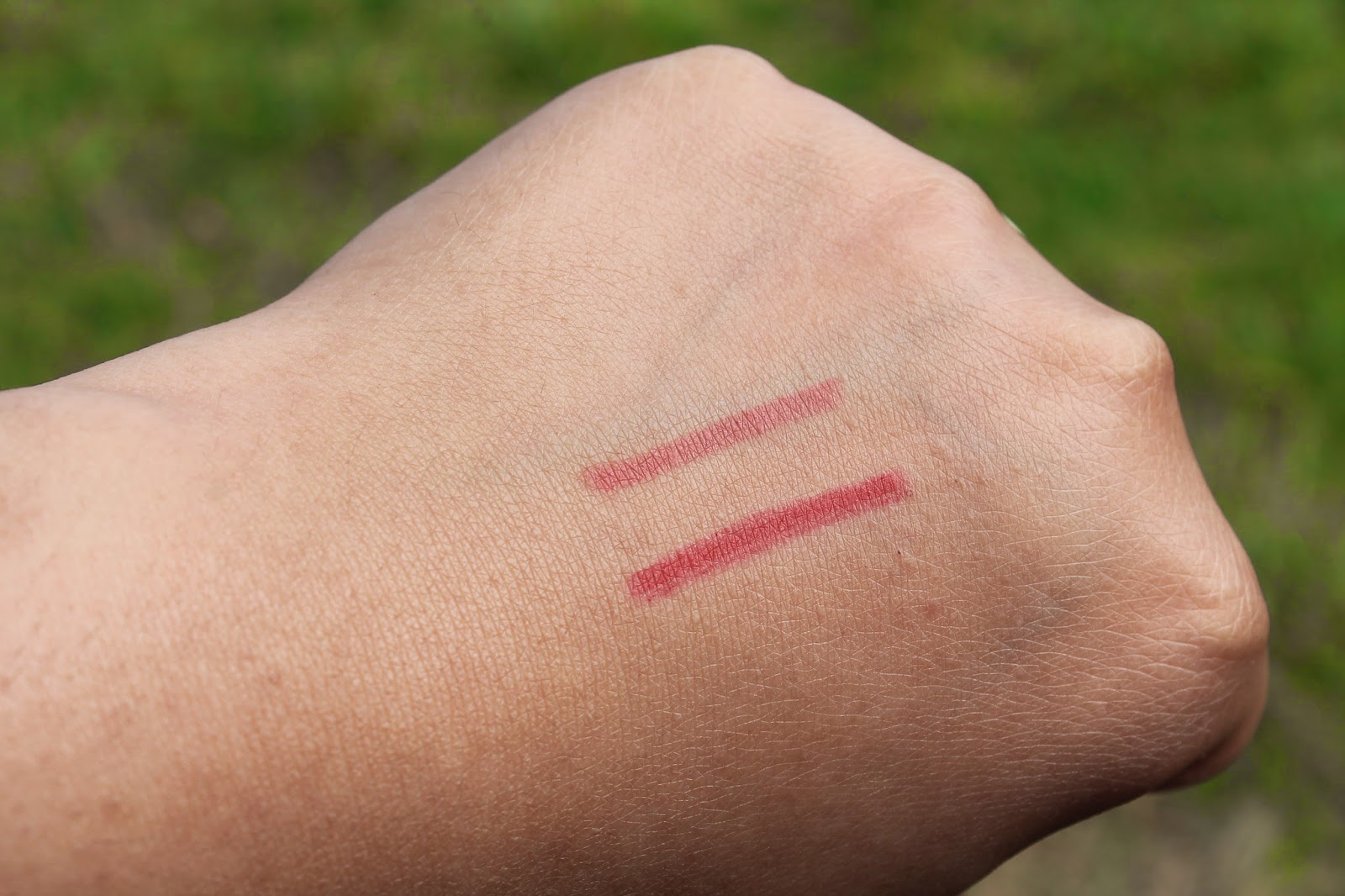 Boots No7 Lip Liners in Fire & Blush Swatch - Aspiring Londoner