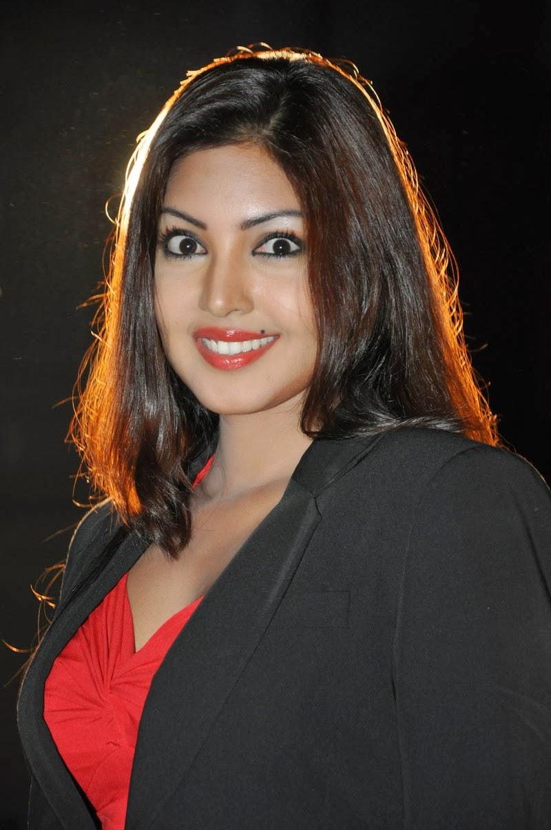 18 actress komal jha - photo #38