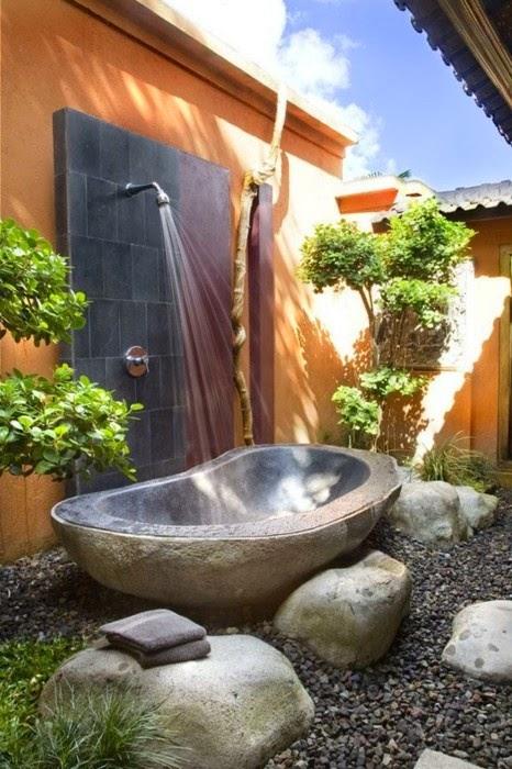 Bañeras en casa - Bañera de piedra exterior