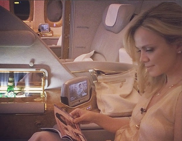 A apresentadora foi para Dubai nos Emirados Árabes gravar reportagens para apresentar em seu programa...