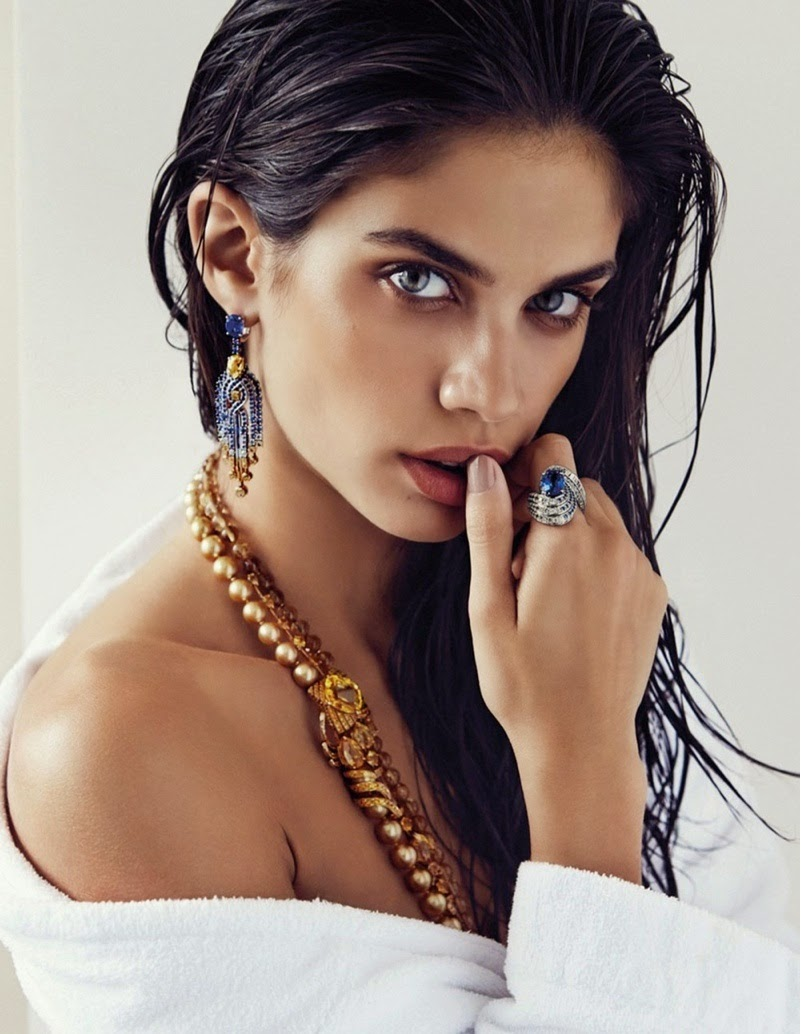 Sara-Sampaio-By-Alvaro-Beamud-Cortes-For-Vogue-Spain-01