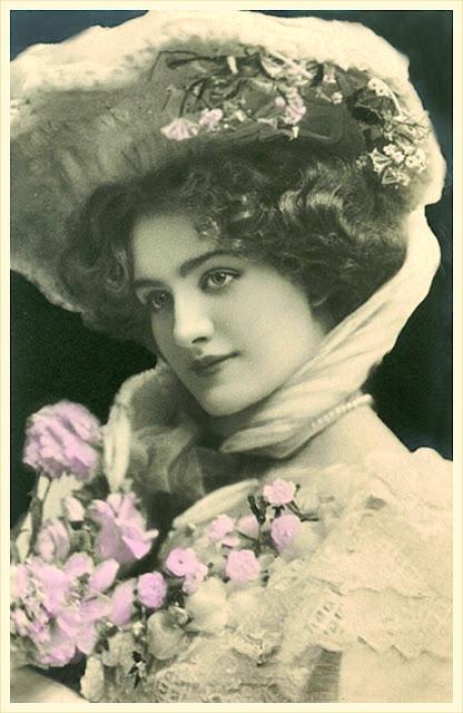 dama vintage con sombrero y flores