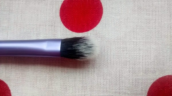 RealTechniques Base Shadow Brush