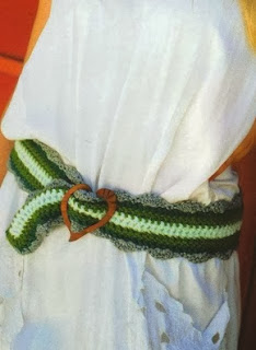 http://patronesparacrochet.blogspot.com.es/2014/02/cinturon-crochet-ondas-instrucciones.html
