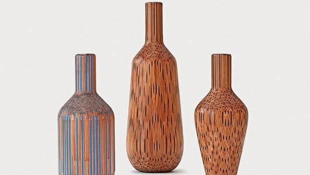Seniman ini Membuat Vas Bunga dari Pensil Kayu
