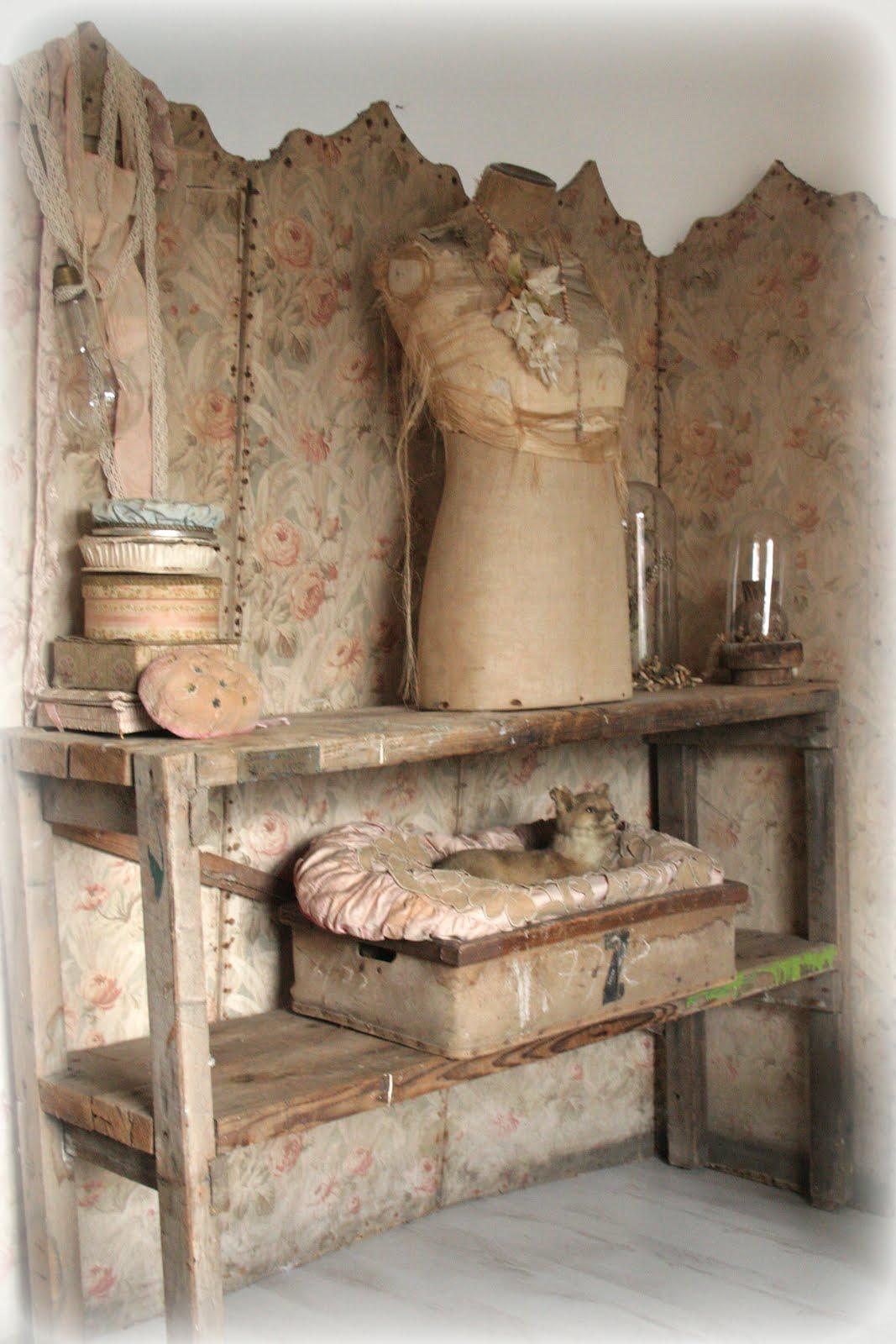 brocante woonkamer maken: servies en brocante maart. witte, Deco ideeën