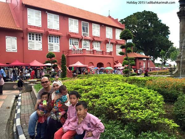 Jalan-jalan naik beca sekitar Bandar Bersejarah Melaka