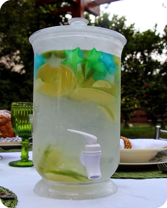 Suqueira com Água saborizada / aromatizada