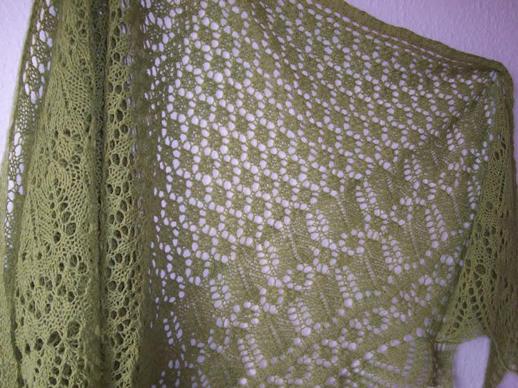 Nordisk sjal i tynd blød uld: Calypso grøn
