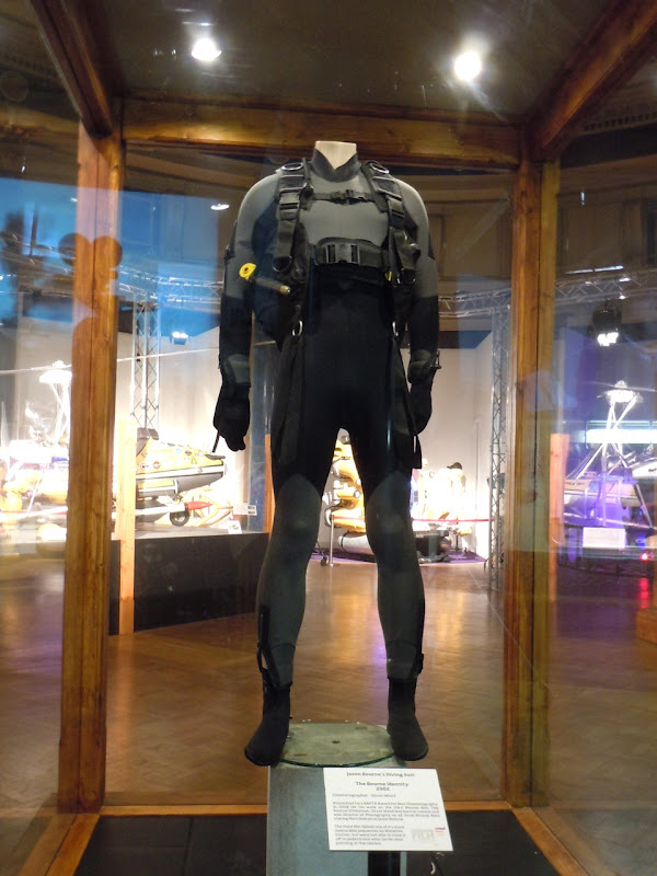 Matt Damon Diving Suit The Bourne Identity