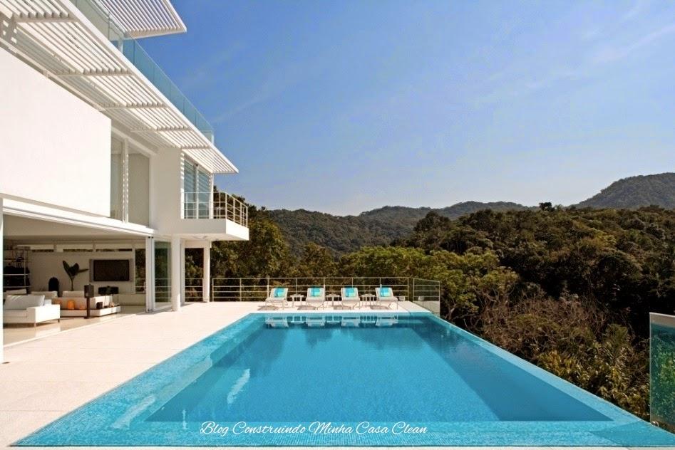 Construindo minha casa clean 45 piscinas suspensas for Piscinas lindas