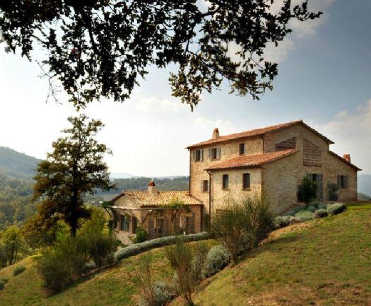 Castello di reschio verdigris vie for Italian country homes