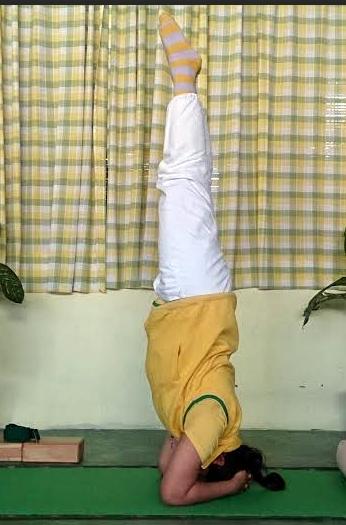 Shirsasana Yoga Pose