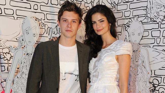 who is dating xavier samuel Xavier samuel (born 10 december 1983) is an australian actor he has appeared in leading roles in the feature films september, further we search, newcastle , the.