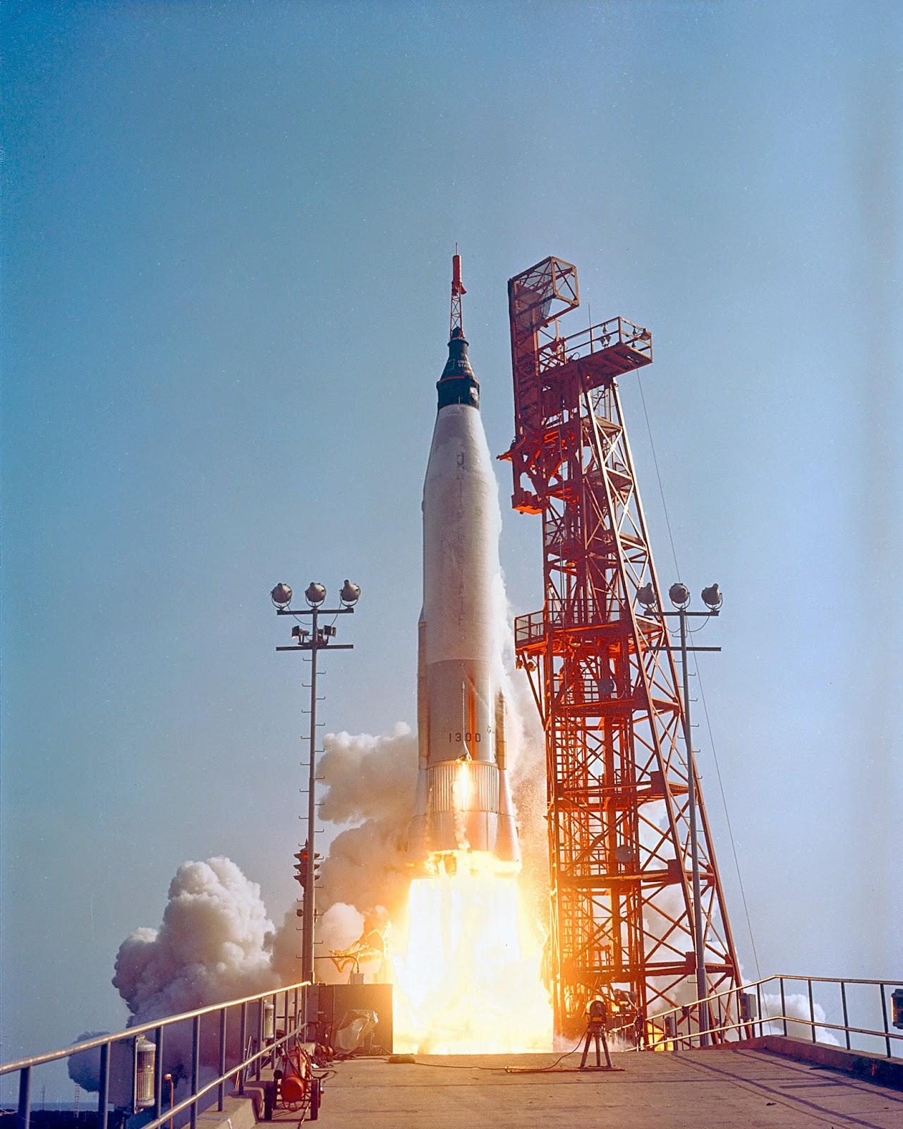 Lanzamiento del cohete Atlas 130-D de la misión Mercury 9